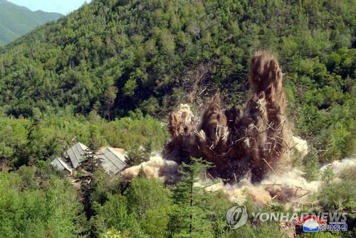 """""""피해없이 생생히 보존""""… 北공개 풍계리 핵실험장 갱도의 속살"""