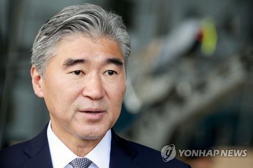"WP ""성 김 전 주한 미 대사, 실무회담 차 북측으로 건너가"""