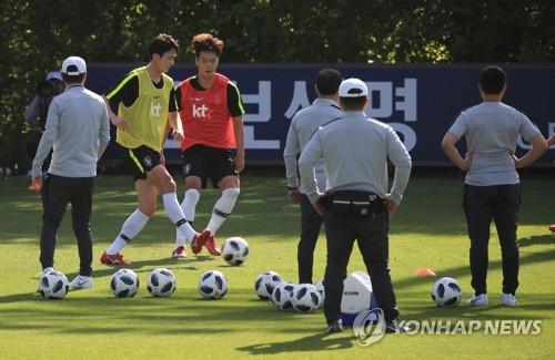 '경쟁은 나의 힘' 생존경쟁 통해 성장하는 신태용호 수비진