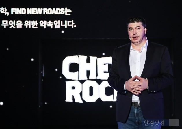 카허 카젬 한국GM 사장이 쉐보레는 지금껏 한국 시장에서 선보이지 않았던 새로운 모델을 내놓겠다며 경영정상화 각오를 다졌다. (사진=한국GM)