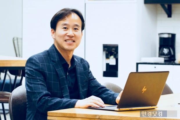 """[코인터뷰] 전중훤 회장 """"블록체인 혁명, 인터넷보다 스마트폰에 가깝다"""""""