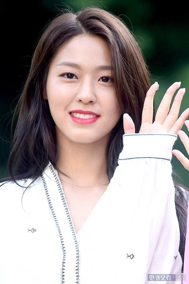 """AOA 설현 측 """"나체 합성사진 유포자 검찰 송치…선처 없다"""" [공식]"""