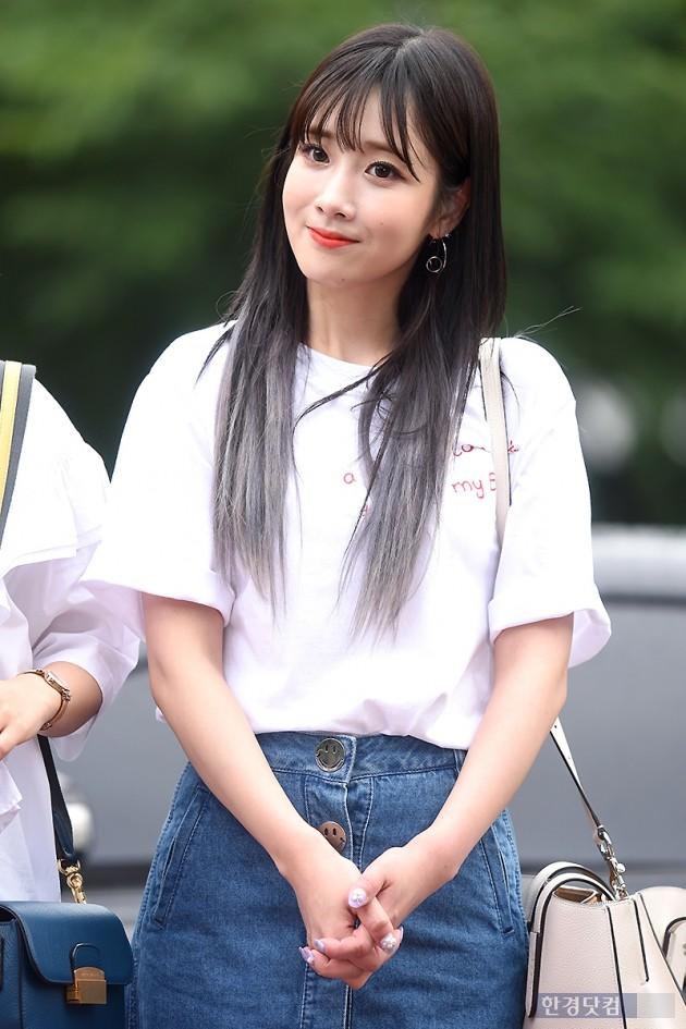 [포토] 러블리즈 유지애, '미소만 지어도 사랑스러워~'