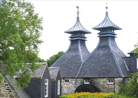 스코틀랜드 스페이사이드의 스트라스아일라 증류소. 현재 가동되는 증류소 중 가장 오래됐다.