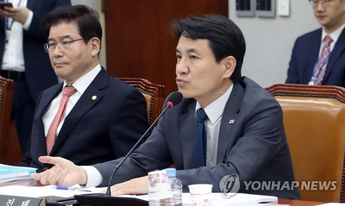 """김진태 """"김성태, 정치생명 연명 말고 사퇴해야"""""""