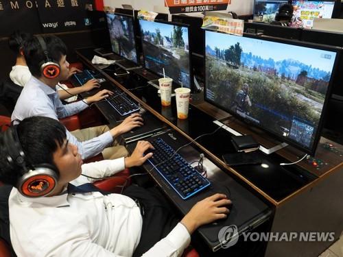 """게임중독이 정신병이냐… WHO분류에 """"과잉진단·도덕적공황"""" 반론"""