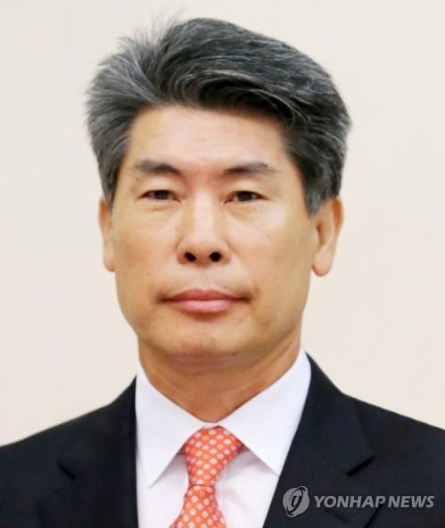 청와대 경제수석 맡은 거시경제 전문가 윤종원… '현실토대' 중시