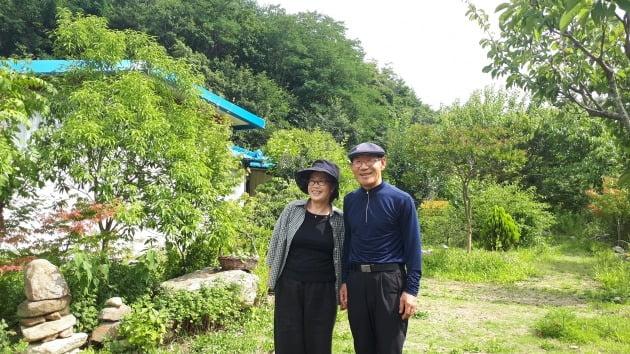 귀촌 5년차를 맞은 박순정 정인숙 씨 부부. 김경래 대표 제공