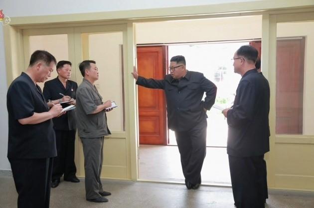 """""""대단히 잘못되었다""""…김정은, 경제시찰하다 격노한 이유"""
