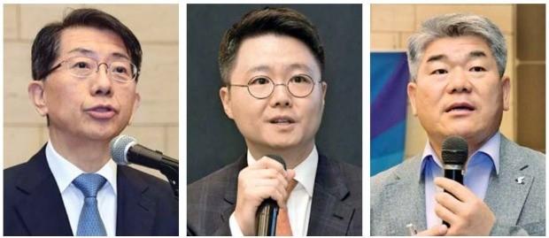 문성우 바른 대표변호사(왼쪽부터), 최재웅 바른 변호사, 김진향 개성지구지원재단 이사장