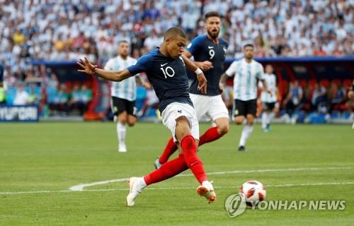 """[월드컵]유럽언론 음바페 극찬… """"축구史 가장 위대한 플레이 중 하나"""""""