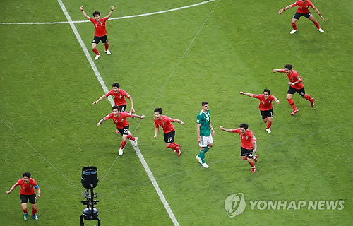 [월드컵] 한국의 세 단어 평가는 '너무 늦은 톱뉴스'