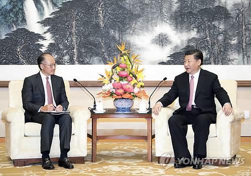 美 무역전쟁 위협에 中 '전략적 위축'… 시진핑도 '조용히'