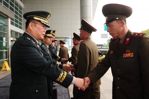 """국방부 """"서해지구 남북 軍 통신선 완전 복구"""""""
