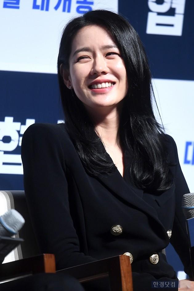 [HK영상] 손예진, '협상가로 변신해도 변함없는 예쁜 누나'