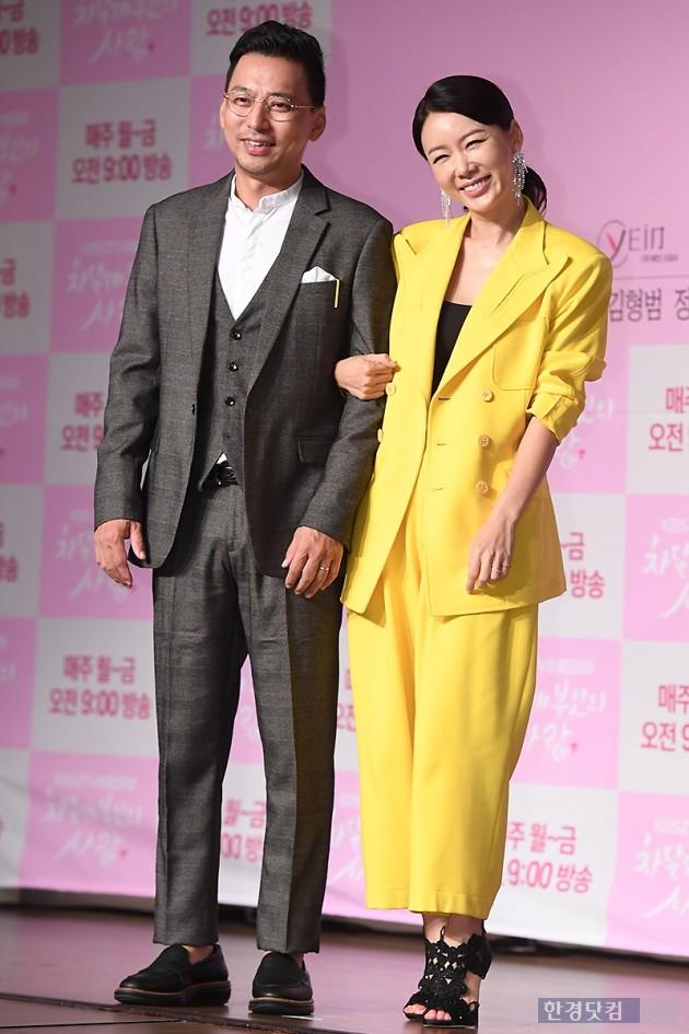 [포토] 김형범-안선영, '팔짱 끼고 다정하게~'