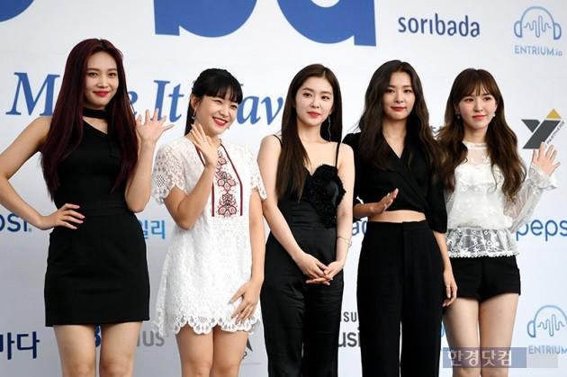 [HK영상] 레드벨벳, '바라만봐도 기분 좋은 상큼한 과즙 미소'(소리바다 어워즈)