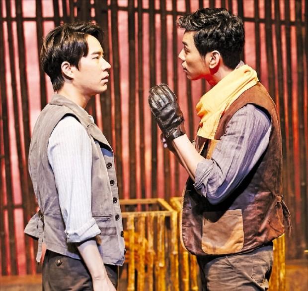 미국 대공황 시대 두 노동자의 비극적 우정을 다룬 연극 '생쥐와 인간'.