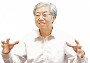 """김한 JB금융 회장 """"만석꾼 집안서 태어난 행운아… 지역경제 되살리는 게 내 소명"""""""