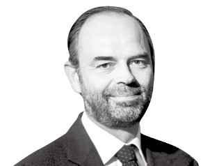 """에두아르 필리프 총리 """"연금·수당·공무원까지… 가능한건 다 줄인다"""""""