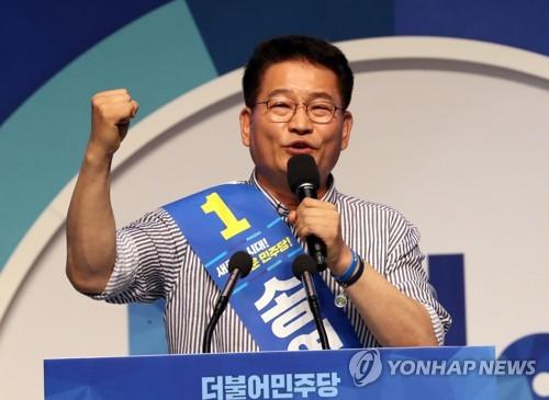 """""""세대교체"""" 송영길 선전…""""친문핵심 지지"""" 김진표는 3등"""