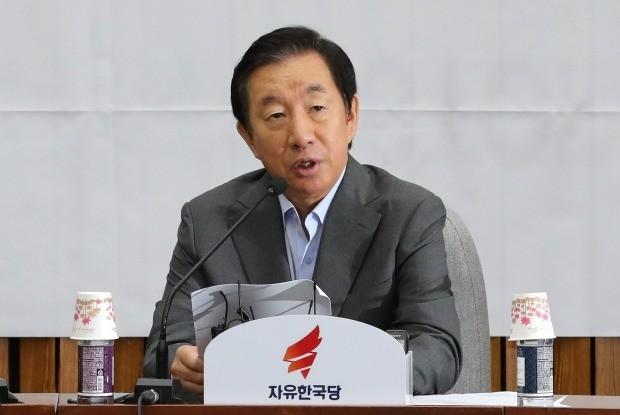 자유한국당 김성태 원내대표가 7월 31일 오전 국회에서 열린 원내대책회의에서 발언하고 있다. (사진=연합뉴스)