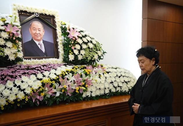 """원로 배우 김인태 별세…아내 백수련 """"남편 평생 성실했다"""""""
