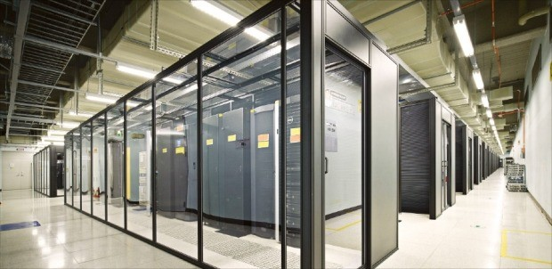 클라우드 서비스가 대중화하면서 세계 곳곳에 데이터센터가 들어서고 있다. 사진은 삼성SDS 데이터센터. /삼성SDS 제공