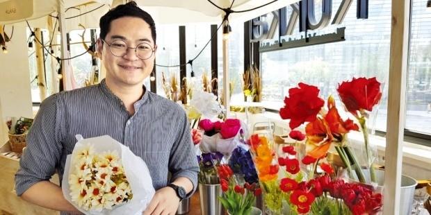 '꽃 정기배송'으로 年매출 40억 일군 공대 청년