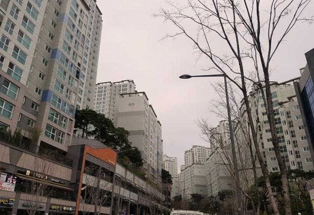 (사진=서울 아현3구역을 재개발한 '마포래미안푸르지오'. 전형진 기자)