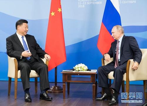 트럼프 보고 있나… 시진핑·푸틴 러시아서 밀월 과시