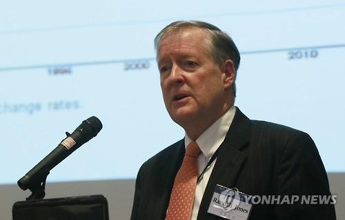 """OECD 존스 한국담당관 """"남북관계 긍정적…한국 미래 낙관한다"""""""