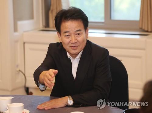 """정동영 """"분양원가 공개로 부동산 광풍 잡자"""""""