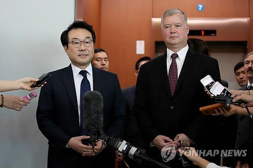 """美대북특별대표 """"시작이 반… 기회잡기 위해 모든 것 해야"""""""