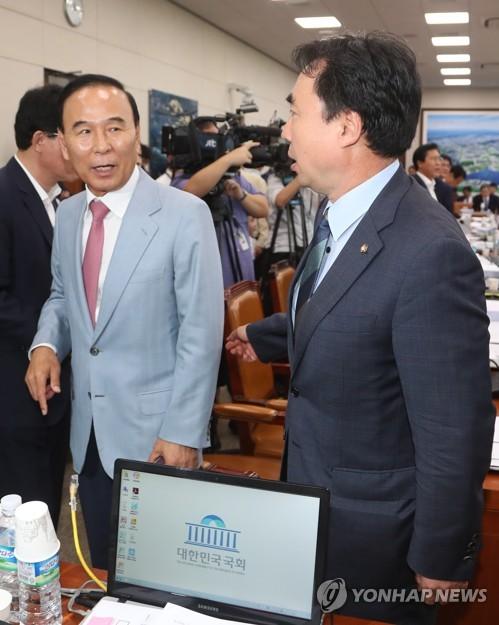 국토위, 오전 회의 파행…'신창현 자료유출' 현안질의 못해