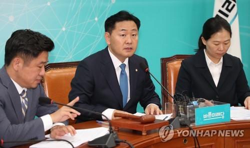 연휴 끝나자 지뢰밭 국회… 판문점선언·심재철 사태 곳곳 대치