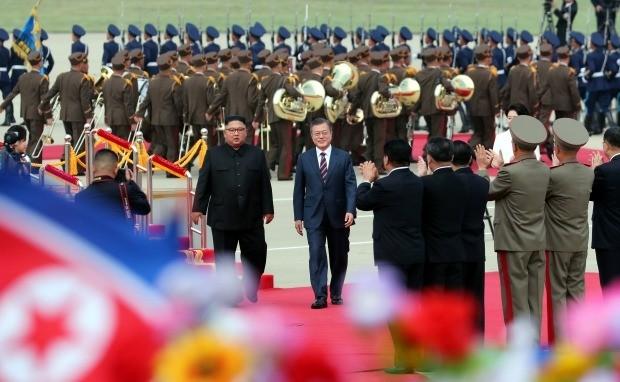 순안공항에서 열린 문 대통령 공식환영식 (사진=연합뉴스)