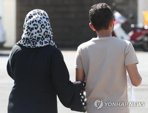 """""""인도적 체류허가 예멘인 소재 파악 가능"""" 우려·궁금증 Q&A"""