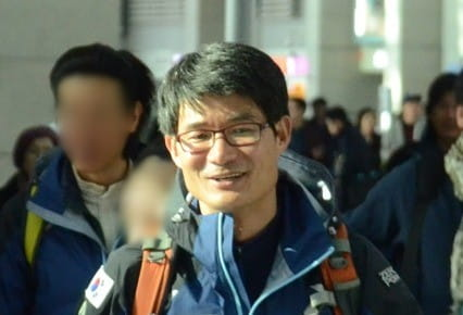 사진은 김창호 대장이 2013년 3월 아시아 최초로 히말라야 8천m급 14좌 무산소 등정을 위해 인천국제공항을 통해 출국하는 모습.  [몽벨 제공]