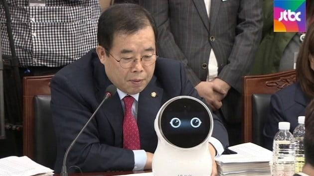 박성중 자유한국당 의원 [사진=JTBC 방송화면 캡처]