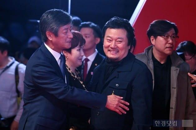 제23회 부산국제영화제 레드카펫 행사, 이상호 기자, 이용관 이사장/사진=한경DB