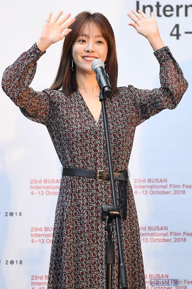 [포토] 한지민, '팬들과 만나면 즐거워~' (부산국제영화제)