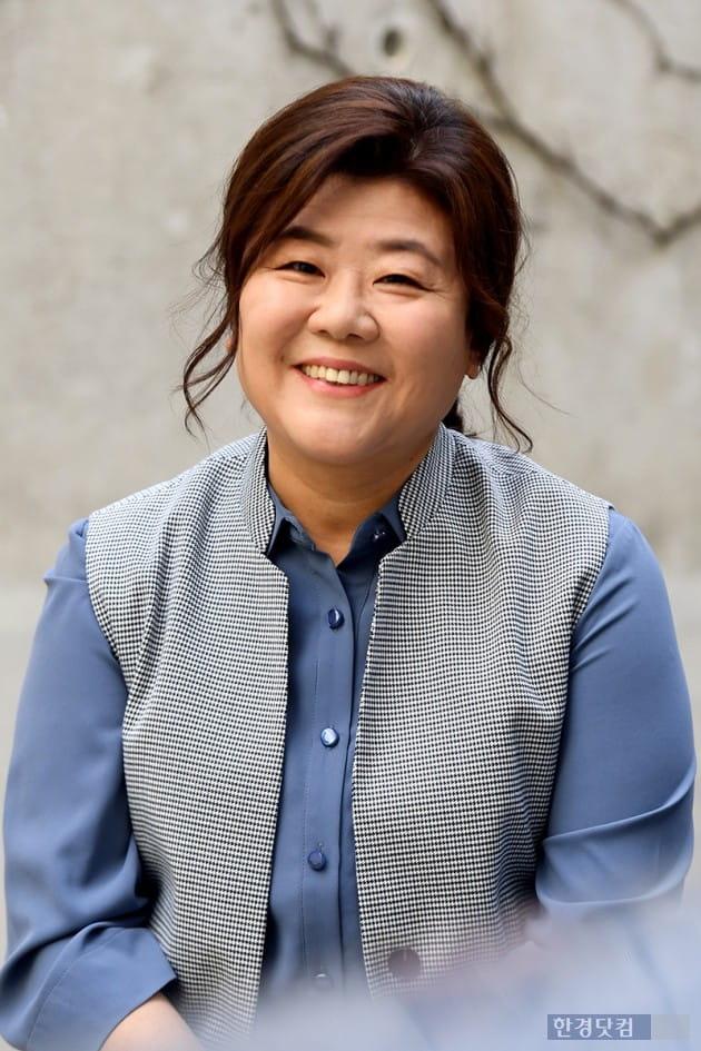 """이정은 """"한지민·김태리, 기적처럼 생긴 예쁜 딸"""" (인터뷰)"""
