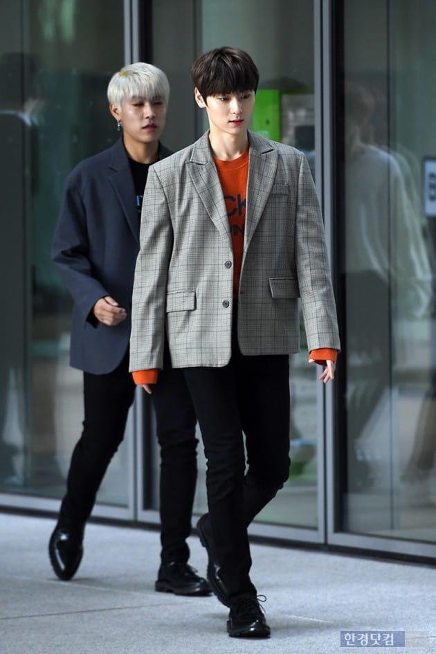 [포토] 워너원 황민현, '훈훈한 남친룩~'
