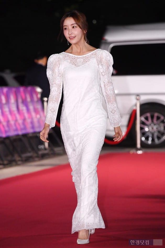 [포토] 정유미, '우아한 화이트 드레스~'(APAN)