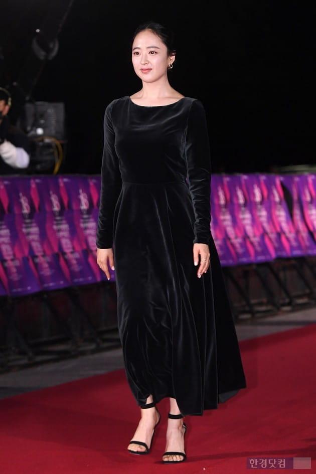 [포토] 김민정, '블랙 벨벳 의상'(APAN)