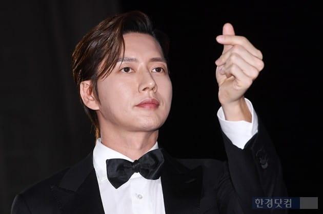 [포토] 박해진, '얼굴천재 하트'(APAN)