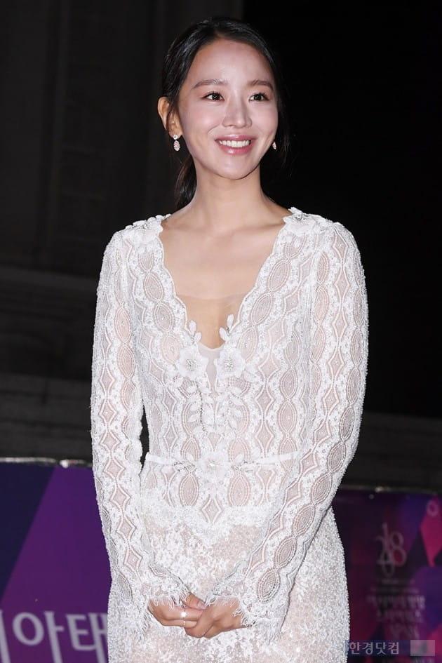 [포토] 신혜선, '기분 좋아 함박 미소~'(APAN)