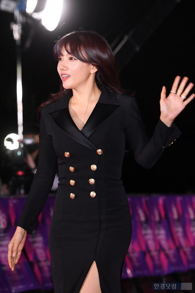 [포토] 이채영, '오늘 기분이 좋아~'(APAN)