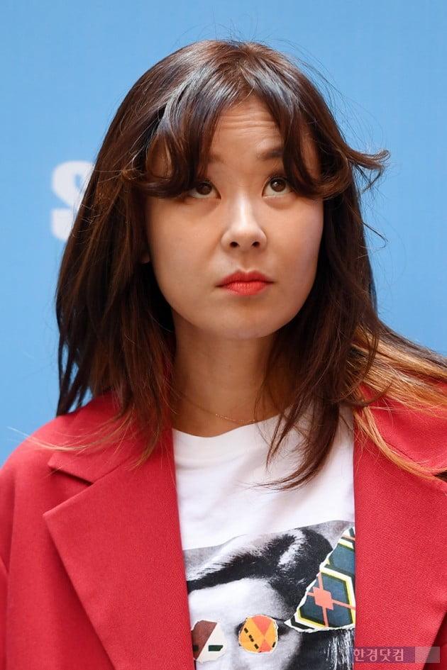 [포토] 최강희, '앞머리 괜찮나?'
